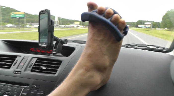 acrobolix_jujimufu_yoga_toes_while_driving_ankle_foot_rehab_prehab_work