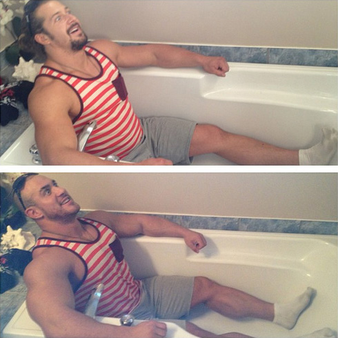 Jujimufu Antoine Vaillant wearing stripes in bathtub